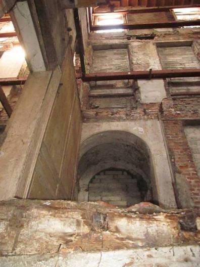 Abandoned Building, Dublin (Ireland) - Derelict World Photography – Lainey Quinn